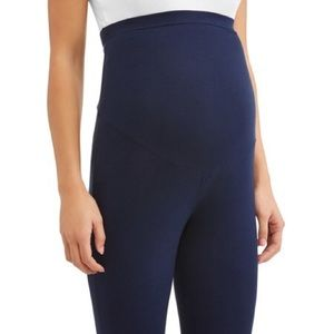 Maternity leggings brand new but washed